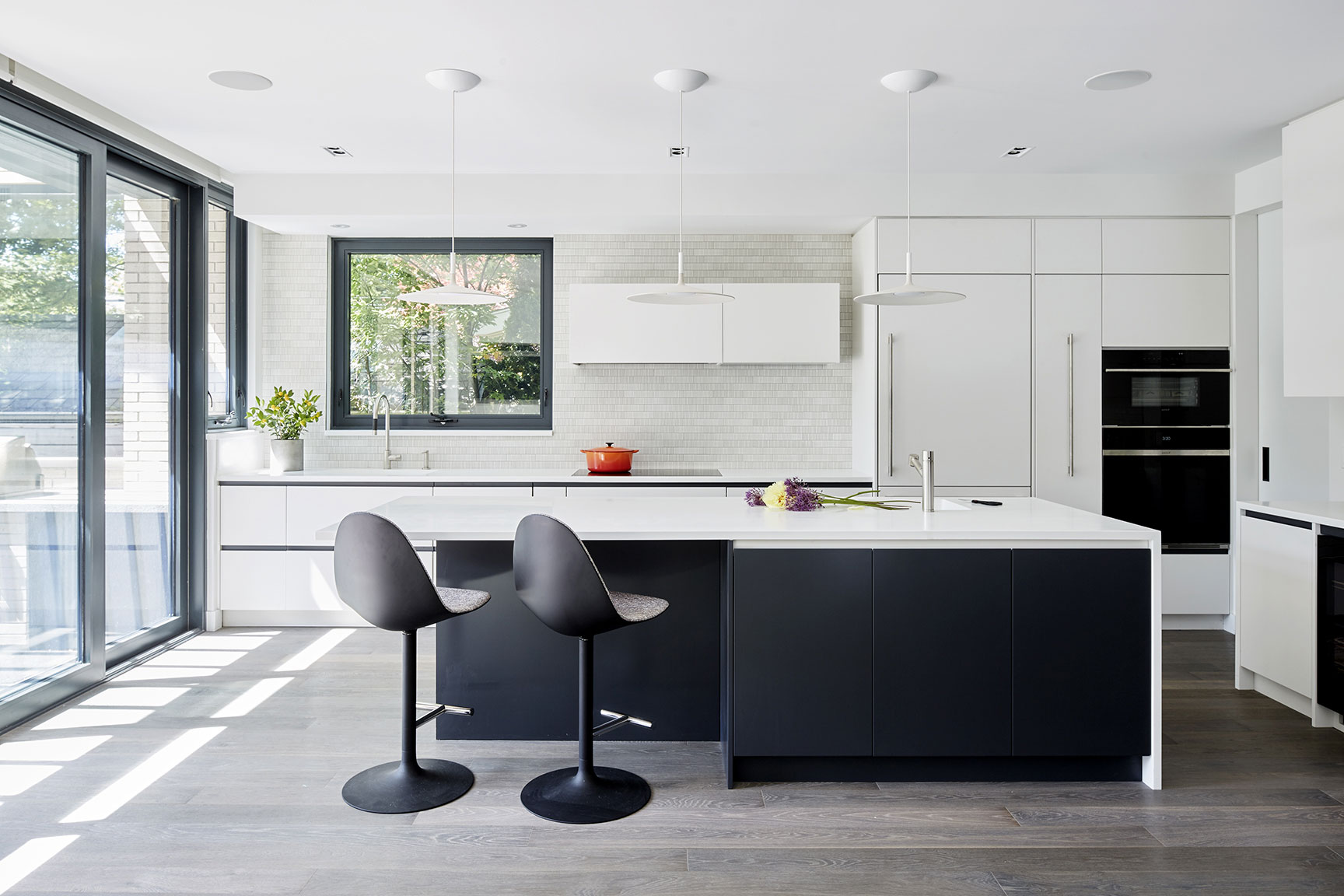 Architecture-interior-design-toronto-photographer-modern-kitchen